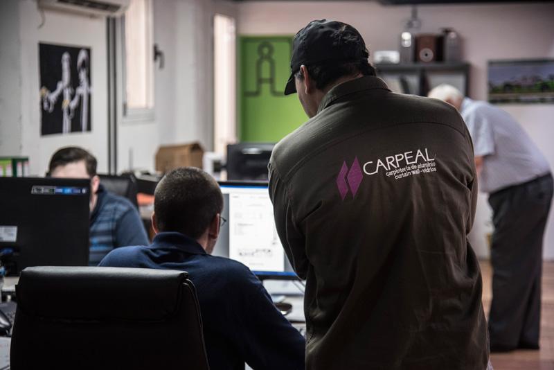 Carpeal-historia02