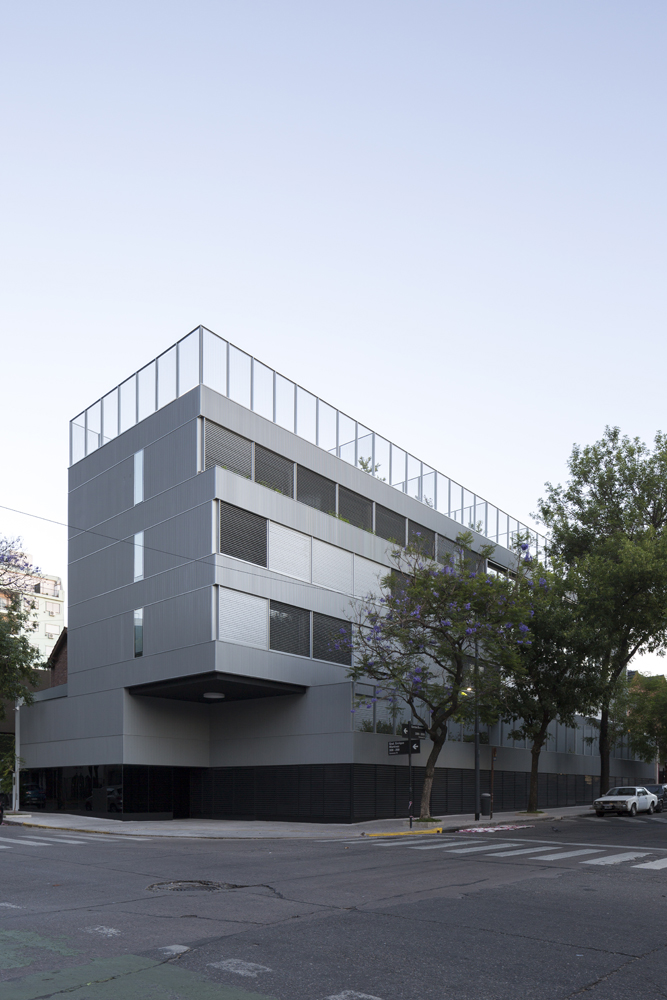 La Vecindad Plaza Mafalda – CARPEAL Building