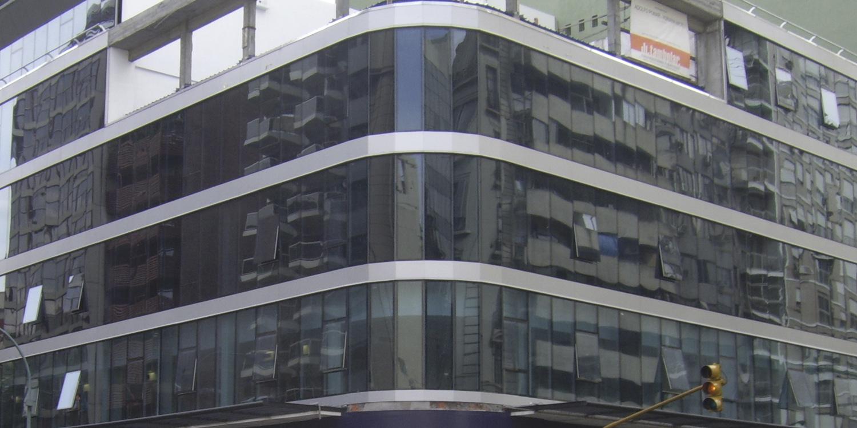 Corrientes Y Callao – CARPEAL Building